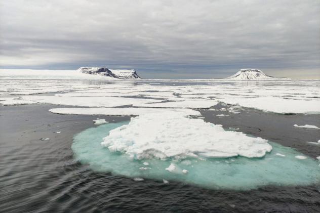 Дрейф льда в Баренцевом море